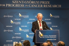 Szent-Gyorgyi Prize Selection Committee Chair and 2015 Prize winner, Dr. Fred Alt, introduces Dr. King