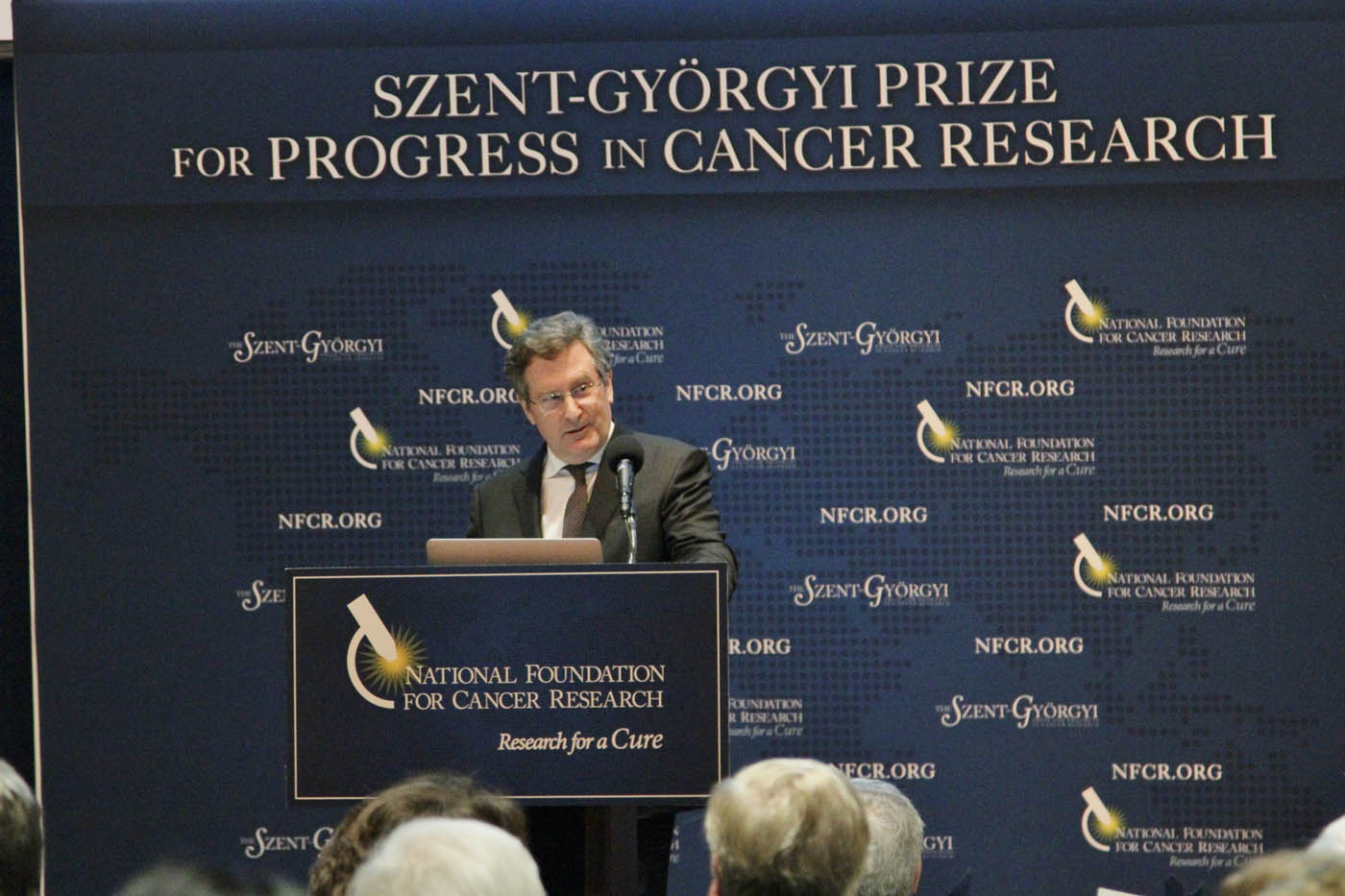Dr. Michael Hall thanking all those that have helped him along the way while receiving the Szent-Gyorgyi Prize for Progress in Cancer Research