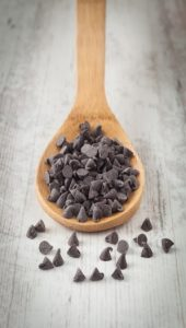 chocolate chips spoon
