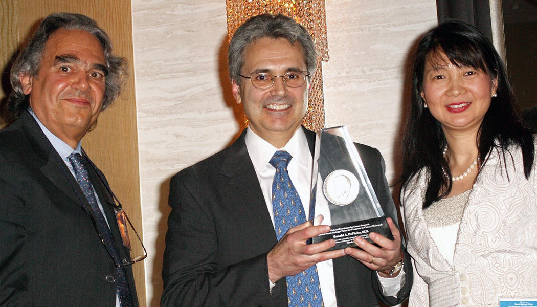 Ronald DePinho, 2009 Szent-Györgyi Prize for Progress in Cancer Research winner