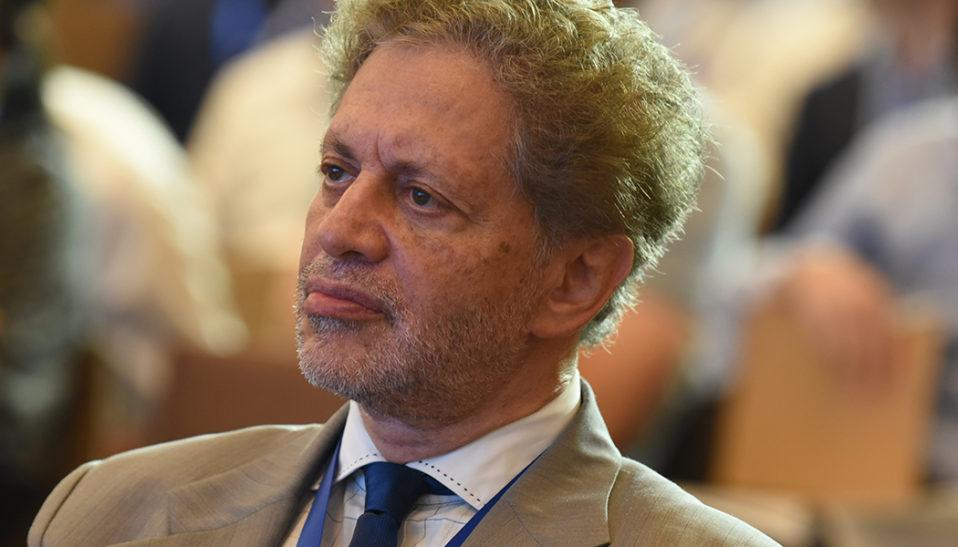 Dr. Paul Abrams